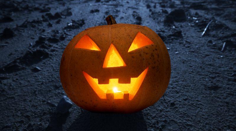 Halloween verlichte pompoen maken